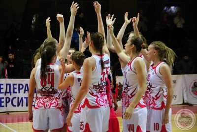 Panthers make a roaring comeback, Oleynikova and Zaitseva score 17 points in the clutch time