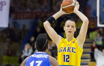 Jurčenkova strikes again, Young Angels enter win column